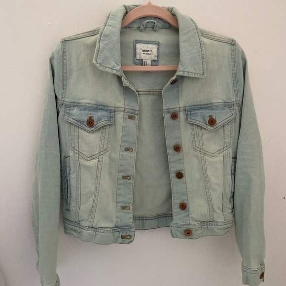 Forever 21 Jackets & Blazers - Forever 21 Denim light-wash Jacket